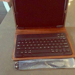 Warm brown leather restoration hardware case